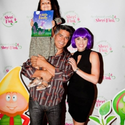 https://whimsicalworldbooks.com/wp-content/gallery/bookthe-little-firefly/Emmys_Sheri_Esai_Morales_2014.jpg