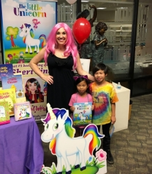 https://whimsicalworldbooks.com/wp-content/gallery/bookthe-little-unicorn/5.JPG