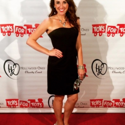 https://whimsicalworldbooks.com/wp-content/gallery/photos/3_Toys_For_Tots_Red_Carpet_2015.jpg