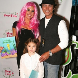 https://whimsicalworldbooks.com/wp-content/gallery/photos/Lou_Diamond_Phillips_Meets_Sheri_Fink_2014_Emmys.jpg